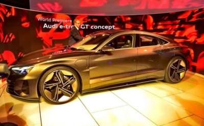 Audi продемонстрировала золотой электромобиль