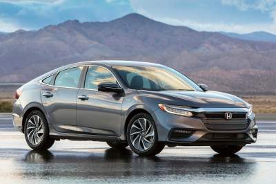 Honda представила гибридный Insight