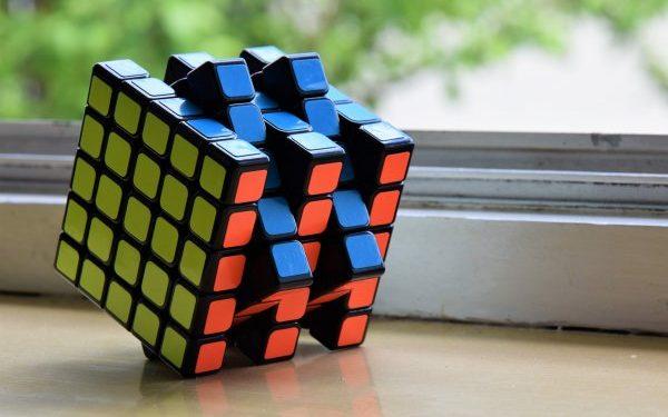 Юный гений из Иванова создал кубик Рубика для слепых