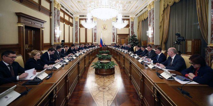 В правительстве оценили предложение о платной регистрации смартфонов